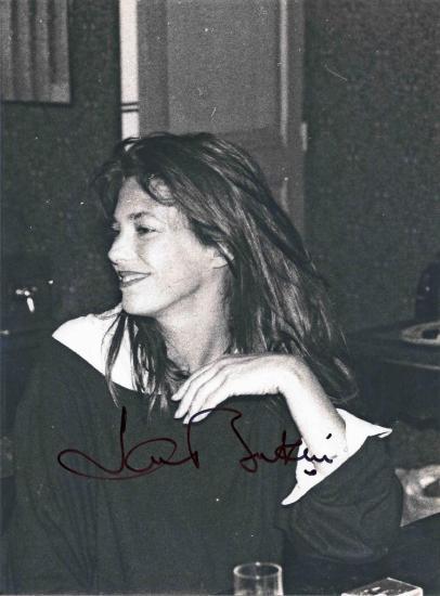 autographe-sur-photo-noir-et-blanc-rue-de-la-tour.jpg